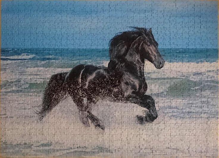CLEMENTONI – ANIMALS (CABALLO) – 1000 - REF. 08004 @clementonitoys @cronicaspuzzleras #clementoni #clementonipuzzle #animals #animales #caballo #horse #caballonegro #blackhorse #puzzle #puzzel #jigsaw #jigsawpuzzle #rompecabezas #quebracabeça #1000pieces #1000piezas