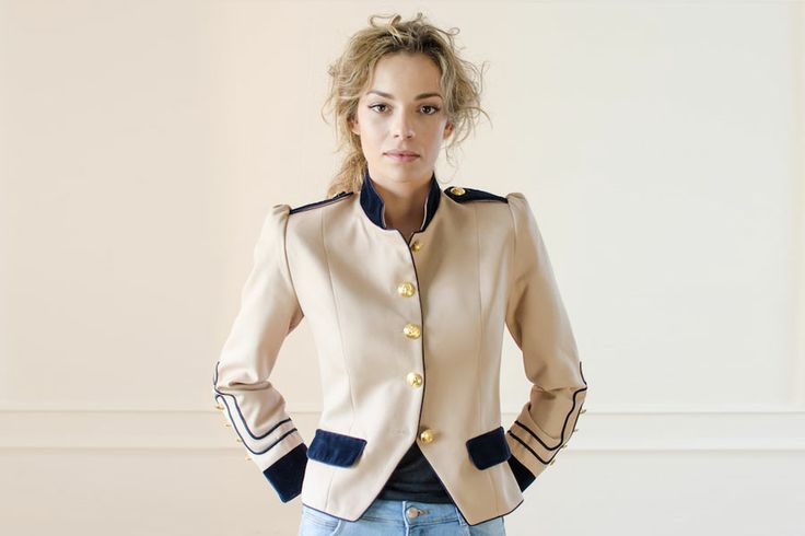 Condesa Arena Military jacket Beige Blue velvet Gold buttons