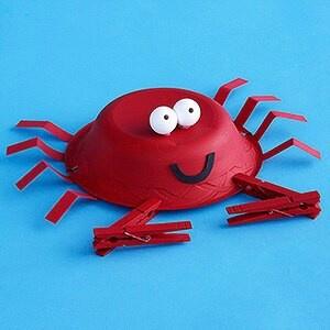 Clothespin crab craft