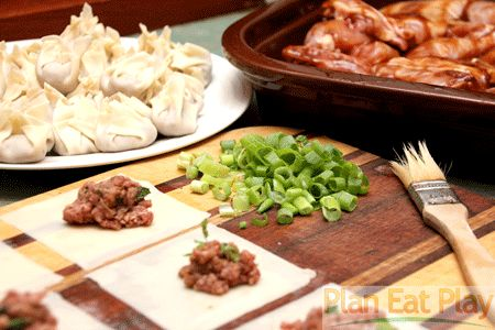 Here is one of my favourite and easy recipes for dinner. Wonton Beef Soup. www.planeatplay.com #planeatplay #wontonsoup