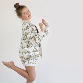 Specificaties:  Kleuren: Gebroken wit   (Gütermann kleur 111) Bruin Cress Groen Zwart  Een boom is 16cm hoog  Cotton Lawn is een mooie, lichte, ademende katoenen stof met een gladde textuur en is perfect voor topjes, jurken en rokken voor lente en zomer. Vanwege de natuurlijke lichtheid van de stof, kan je overwegen om je kledingstuk te voeren en een microtex naald te gebruiken.  Materiaal: 100% zachte katoen - Cotton Lawn (High Density) Gewicht: 80 g/m²  Stofbreedte: 140cm  Strijkbaar op…