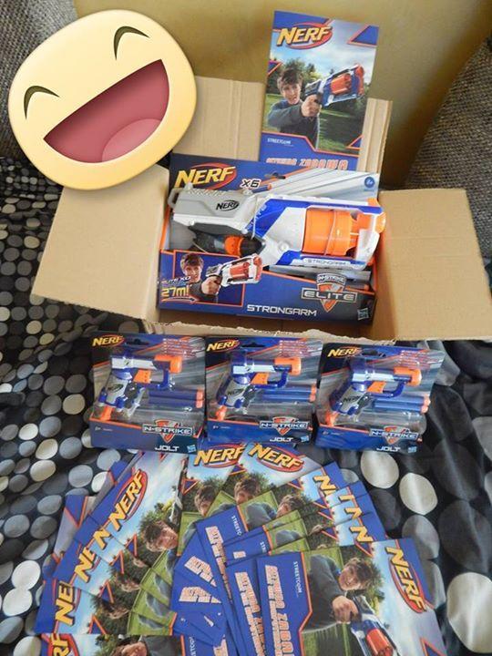 Doszła do nas przesyłka z kampanii NERF mój syn oszalał z radości ,a popołudniu testujemy!!! #hasbro #nerf #wyrzutnianerf https://www.facebook.com/photo.php?fbid=1010736212272967&set=o.145945315936&type=1