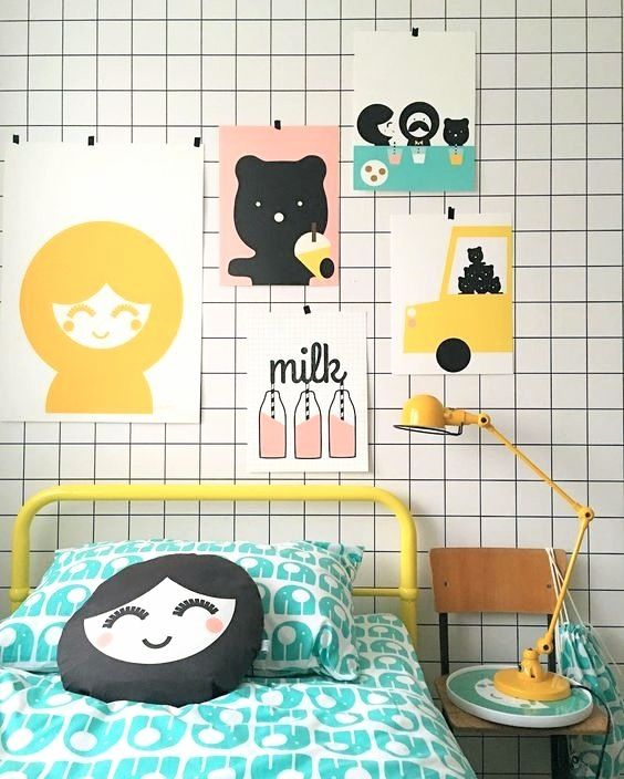 A Scandinavian Inspired Wallpaper for Instant Style http://petitandsmall.com/scandinavian-grid-wallpaper/