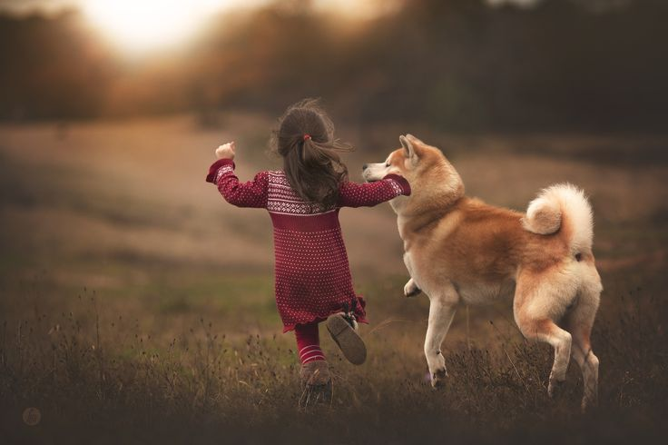 a girl and her dog by Hannah Meinhardt on 500px
