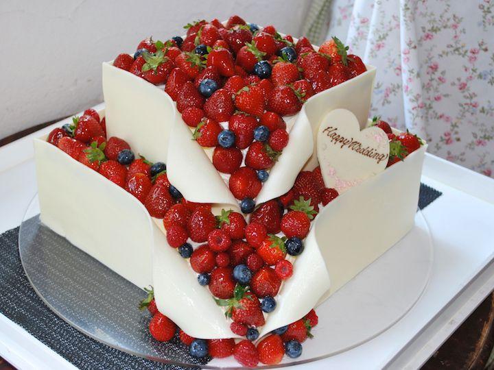 16 パティシエ本澤 聡 a tale of cake16「イチゴのヒミツ」イチゴ愛があふれて止まらない!? http://www.anniversary-web.co.jp/