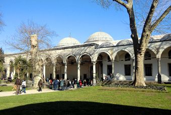 イスタンブール ブルーモスク アヤソフィア 地下宮殿 トプカプ宮殿 グランドバザール