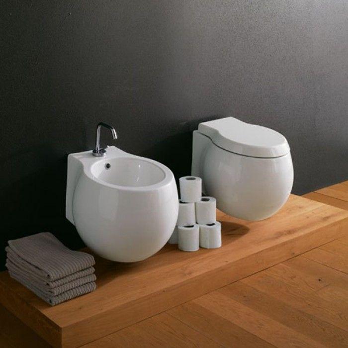 Санитарен фаянс – уникални дизайнерски колекции от фаянсови изделия за банята. Оборудване за банята от най-иновативните европейски компании с традиции в дизайна на фаянса за банята.