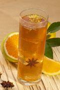 Bebida com Laranja e Flor de Anis. Ingredientes: • 1/2 colher (chá) de Bebida à base de Chá Herbalife sabor Original • 200 ml de água • 1 colher de chá de raspas da casca de laranja (lave bem antes de raspar) • 1 flor de anis (pode substituir por 1 cravo) • Adoçante a gosto Modo de Preparo: Preparar a Bebida à base de Chá Herbalife sabor Original, acrescentar as raspas de laranja, as pedras de gelo e uma flor de anis e mexer bem.  #MEUDESAFIOFIT90DIAS #HerbalifeFortaleza #HerbalifeAldeota
