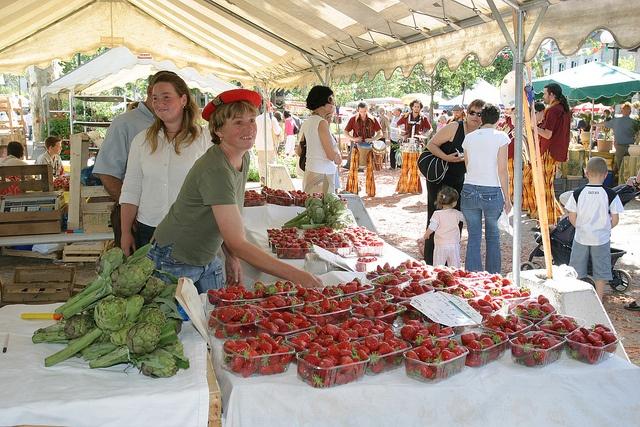 Fête des fleurs et de la fraise Marmande Val de Garonne by Tourisme Val de Garonne, via Flickr, en mai et pour 2012, 19 au 21 mai