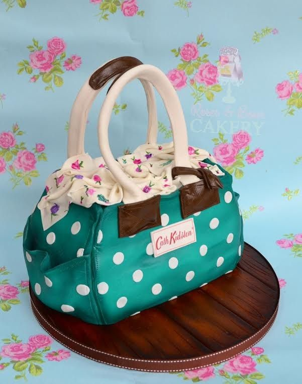 We can't get enough of handbag cakes. Here are some of our favourites...
