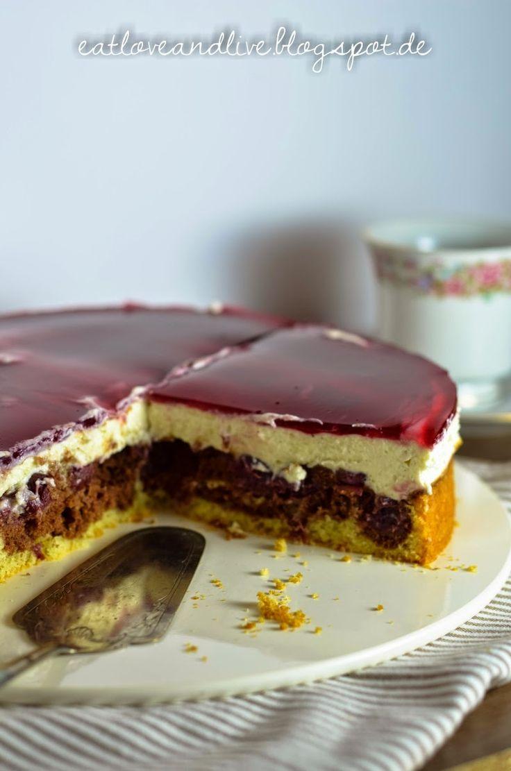 Cake fun like a fairy tale: Snow White Cake
