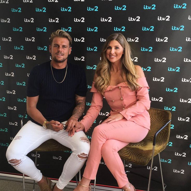 RT NatHillyard83: So excited for tonight it's the start of #bromans itv2 .....buzzing to watch it all on the big http://ift.tt/2y1fsRN #hairtransplant #hairturkey #hairtransplantturkey #hairstyle #hairnews #hair #hairloss