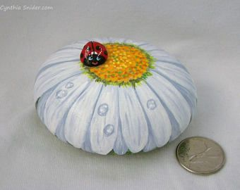 Painted rock,painted stone,white daisy,gerbera daisy,lady bug,flower painted roc
