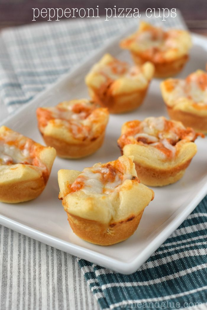 Pepperoni Pizza Cups | Easy little finger food that is SUPER delicious!