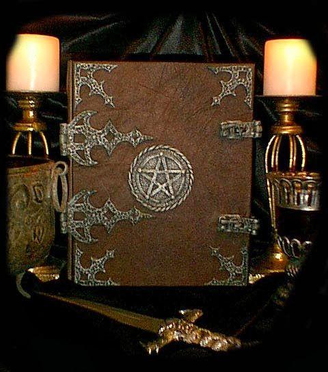 Nymfin Vesiputous: Book of Shadows - Varjojen Kirja