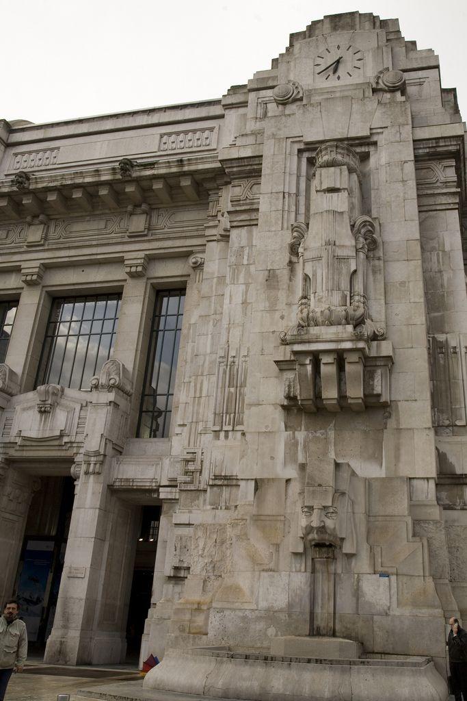 https://flic.kr/p/6mDicx   Milano Centrale, la Gare de Milan.   Milano Centrale…