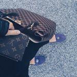 "13 gilla-markeringar, 1 kommentarer - R E B (@stylebyreb) på Instagram: ""Can you guess what my favorite color is? 😁😁"""