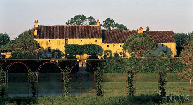 Le Bâtiment, a late-16th-century, lime-washed stone manor, sits on 30 acres of property in the Vandée region of France.