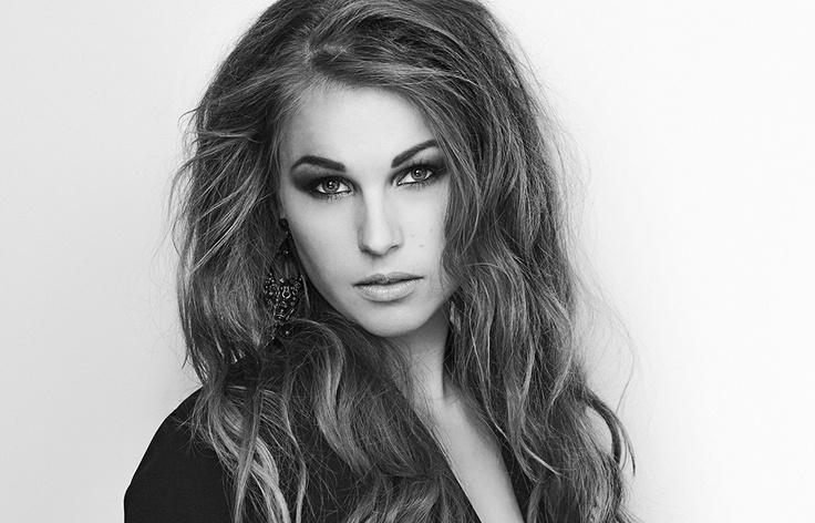 Hair/makeup/styling : Emilie E. Larsen Photo: Stian Gregersen: Modell: Emilie Holene