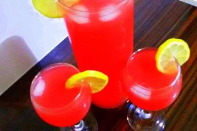 KENDİ MUTFAĞINDA ŞEF adlı okurumuzun gönderdiği Karpuz limonatası tarifi...