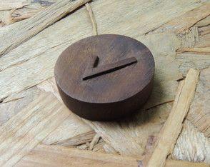 Jogo de Runas de madeira entalhada