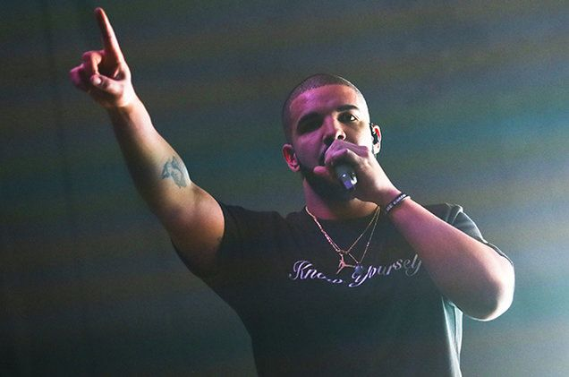 Ele & Elis Blog: Drake has released two new songs one dance featuri...