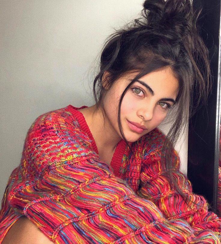 Sara Orrego beauty, Plus size fashion blog