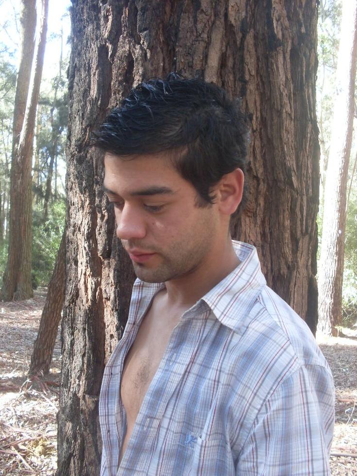 Rodrigo Valenzuela | Formación secundaria | Fotografía y filmación publicitaria - Eventos - Atención al Cliente
