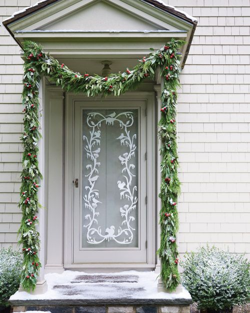 : The Doors, Decor Ideas, Doors Decor, Decoration, Front Doors, Holidays Decor, Garlands, Christmas Decor, Glasses Doors