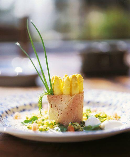Torentje van asperges met Vlaamse ovengebakken ham