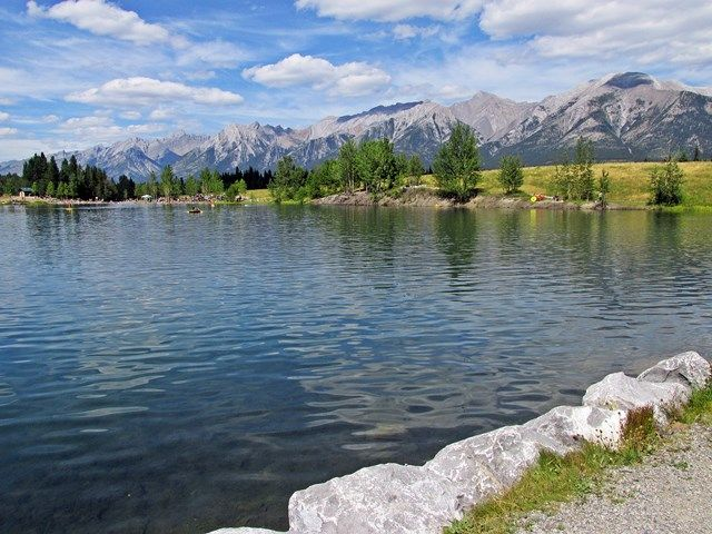 #hiking Quarry Lake in Canmore, Alberta, Canada