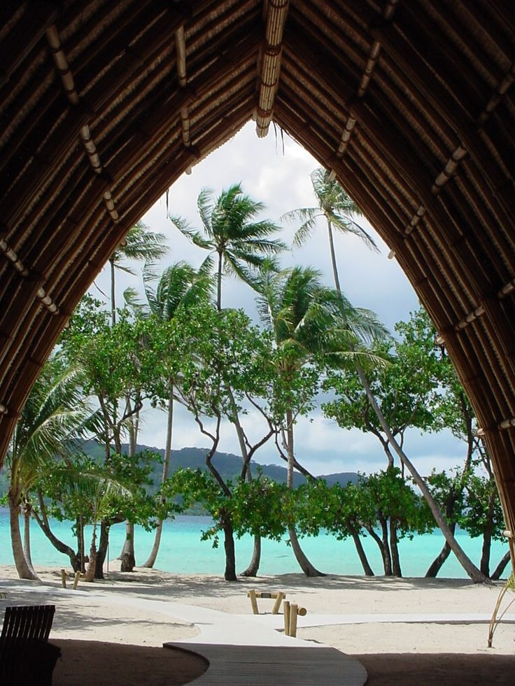 Le Taha'a Island Resort & SPA lobby