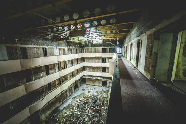 This abandoned five-star hotel is now a five-star urban exploration destination.