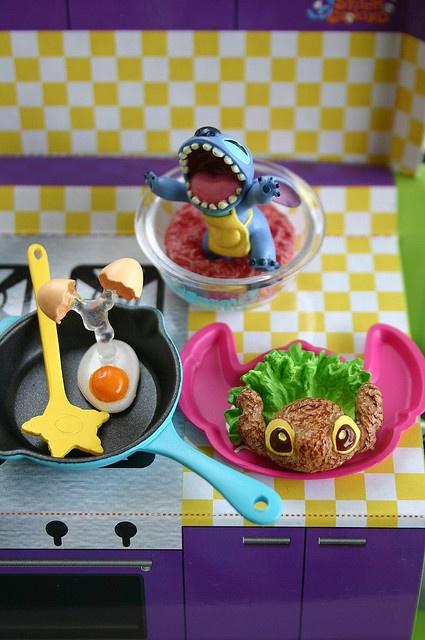 """""""Rawrr~ Break The Eggs! :D"""" #Stitch #LiloandStitch"""