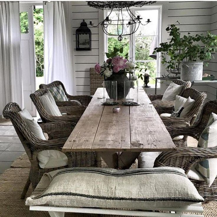 Best 10+ Rustic outdoor dining tables ideas on Pinterest