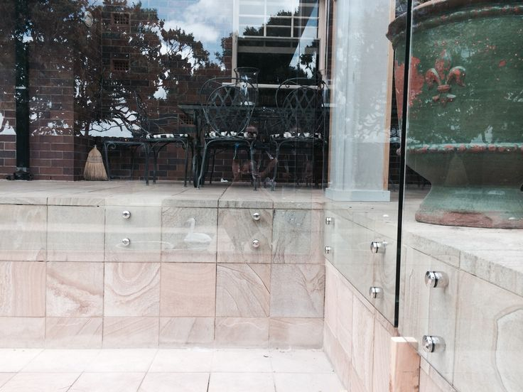 12MM THICK FRAMELESS GLASS FENCING