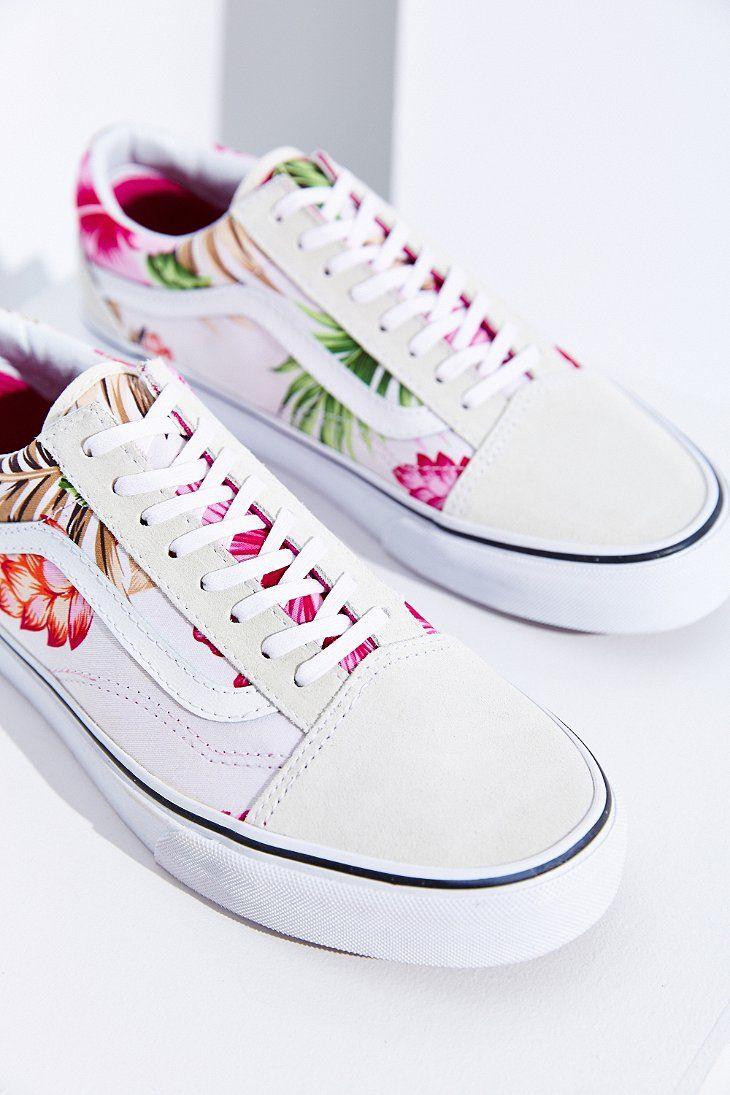 388c692a3e6f04 Vans Hawaiian Floral Old Skool Sneaker