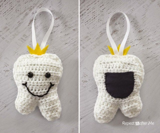 Crochet Tooth Fairy Pillow - Repeat Crafter Me, free pattern