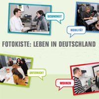 """Sie möchten Geschichten auf Deutsch hören und Bilder dazu sehen? Hier finden Sie Fotogeschichten mit Hörtexten zu verschiedenen Themen aus dem Alltag in Deutschland, zum Beispiel zum Thema """"Wohnen"""", """"Einkaufen"""" oder """"Gesundheit"""". Zu jeder Geschichte können Sie mehrere Übungen machen."""