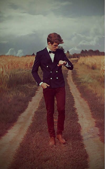 Modern Country. Bow tie and color blocking with navy blazer, maroon pants