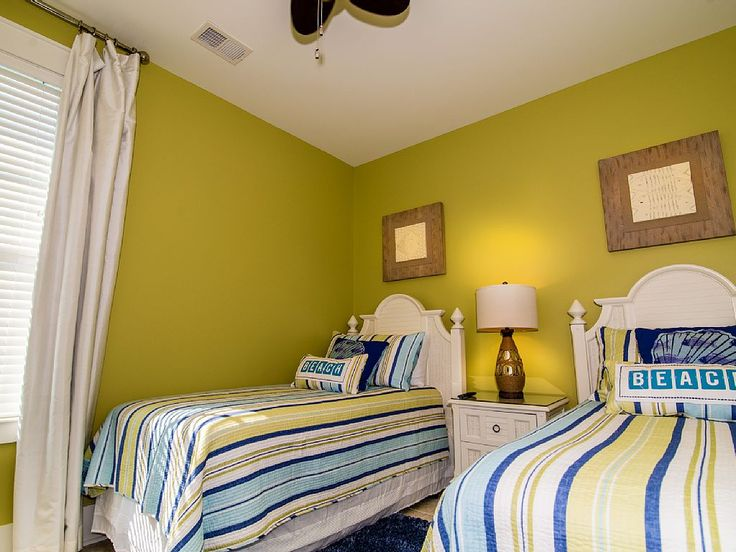 Decorating a rental beach house