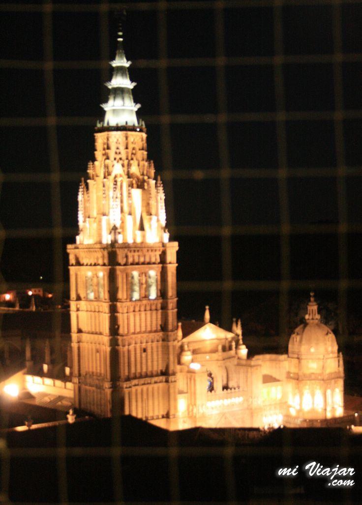 Vista de la catedral Primada de Toledo desde las torres de la Iglesia de los Jesuitas