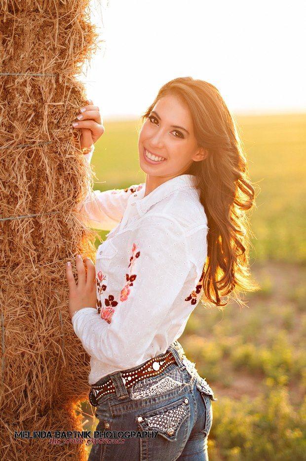 Senior country girl fashion photography www.melindabartnik.com