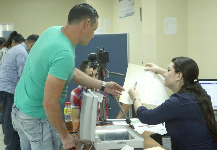 Suspendida emisión de pasaportes en Honduras y en embajadas  Se registran fallas en el sistema informan las autoridades del Instituto Nacional de Migración.  Los que tengan citas pendientes serán atendidos el día que se reanude la atención.