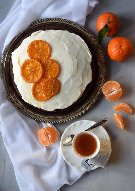 Pain au chocolat: Torta al cioccolato e Earl Grey con frosting allo yogurt greco e mandarini