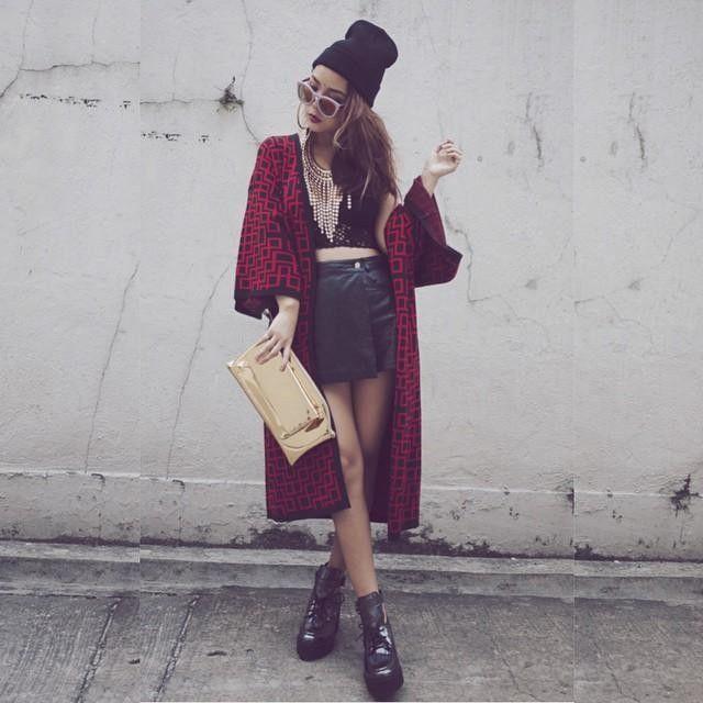 LOOK OF THE DAY Kimono #monki short #vintage  top #vintage shoes and clutch  from  @toutacouphk @ete_hk @ithk  #ithk #ete #cambridgesatchelcompany #toutacoup