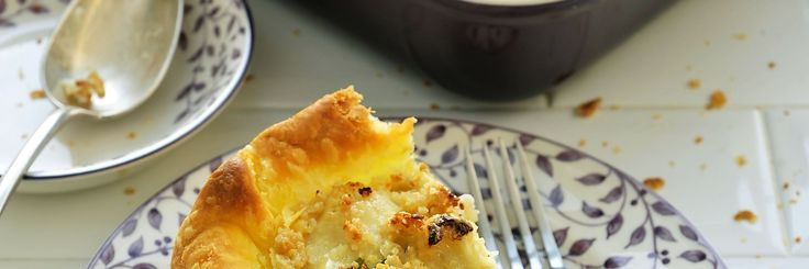 Bloemkool quiche (Mist zout recept : voeg parmezaan schilfers toe / feta. Goed kruiden met zwarte peper. 3 eetlepels edelgistvlokken ipv 1 (niet nodig als je kaas gebruikt). Vervang de bodem door bloemkool bodem (Zie ander recept) Vervang de tofu door ricota of andere..)