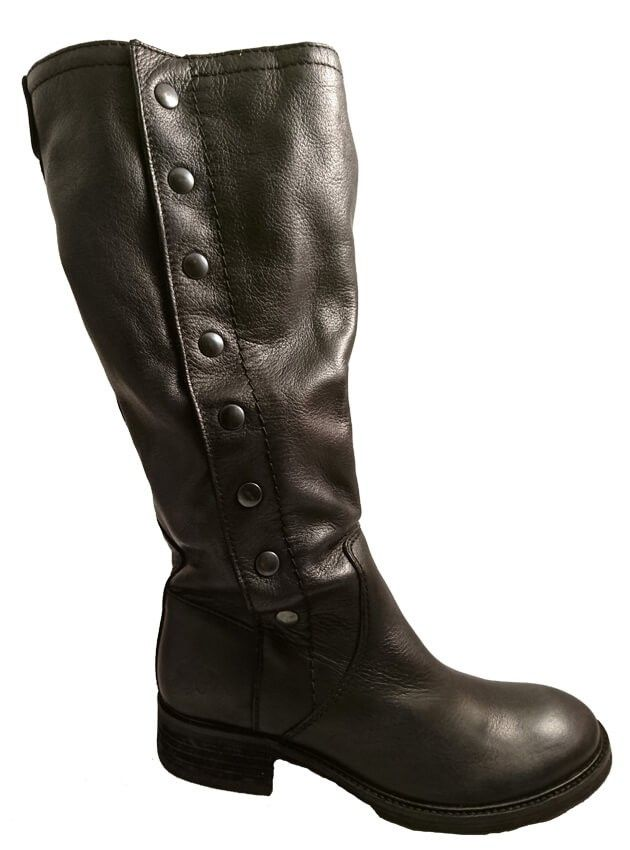 Slouch boots with studs, by Felmini by Felmini. Buy it 111,30 €