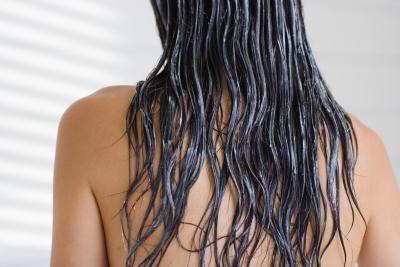Remedio casero para el cabello de mayonesa, aceite de oliva y limón | LIVESTRONG.COM en Español