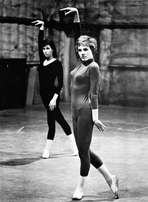 Julie Andrews and Mary Tyler Moore rehearsing a dance routine for Thoroughly Modern Millie, 1966.)